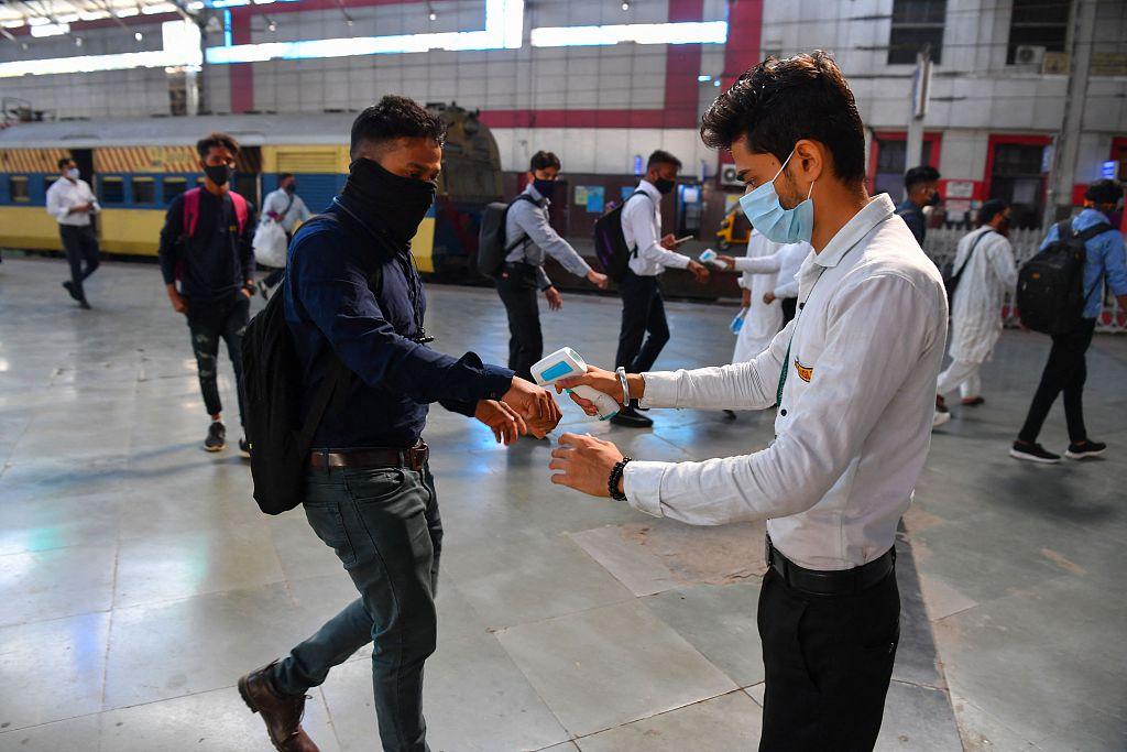 印度超9.3万名铁路员工感染新冠 多为一线人员