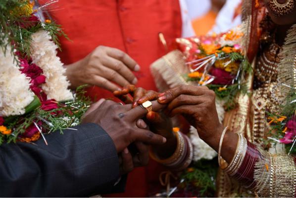 印度新郎大婚前夜突然去世 死后查出新冠阳性