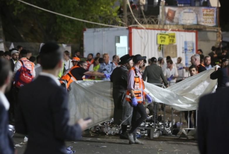 现场:以色列踩踏事件致38死 事发前数万人挤看台上跳舞