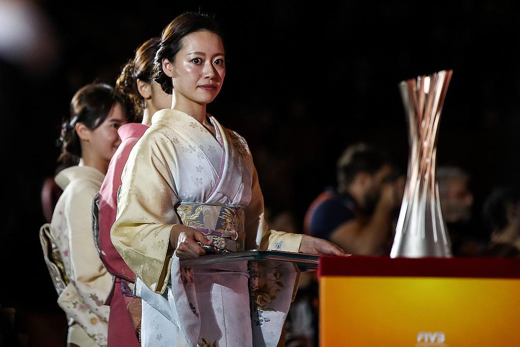 资料图:身穿传统服装的日本女性