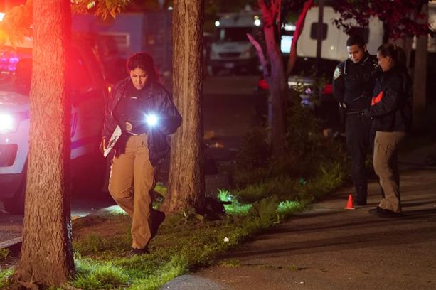 美国纽约8小时内11人被枪击 1人死亡