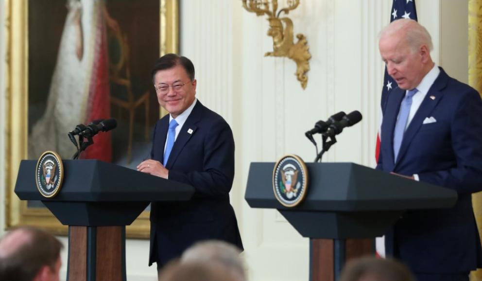 当地时间21日,韩美首脑举行记者会。