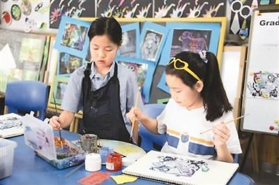 一所民办学校的绘画课堂。