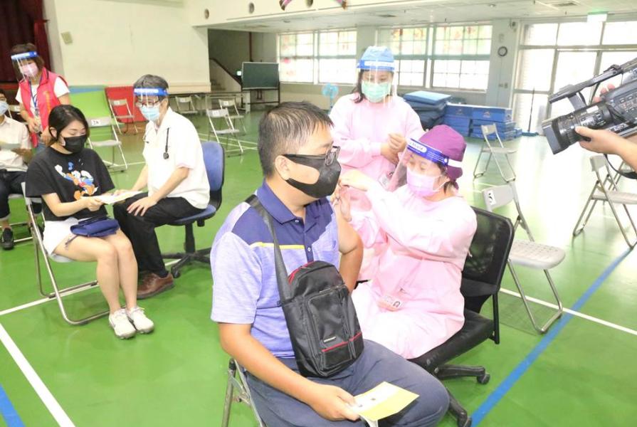 台湾新增167例本土病例 新增18例死亡病例