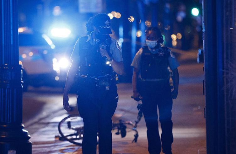 美国芝加哥再迎血腥周末:枪击案四起 死伤者超55人