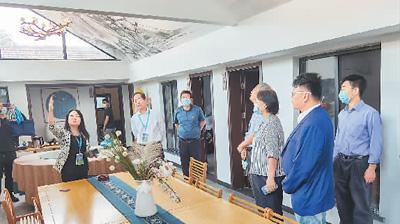 两岸民宿业者等参观北京门头沟精品民宿。